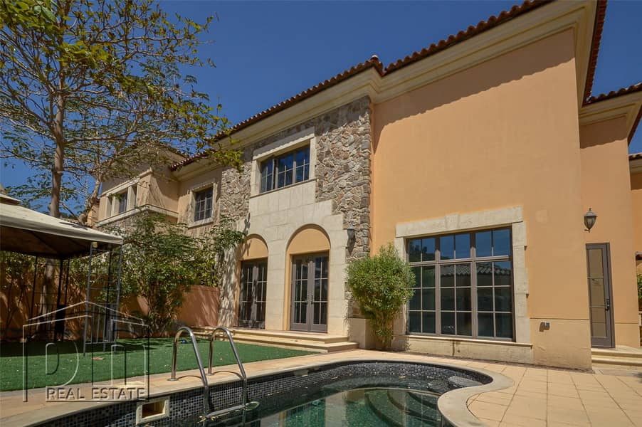 Stunning Villa | Private Pool | Available Now
