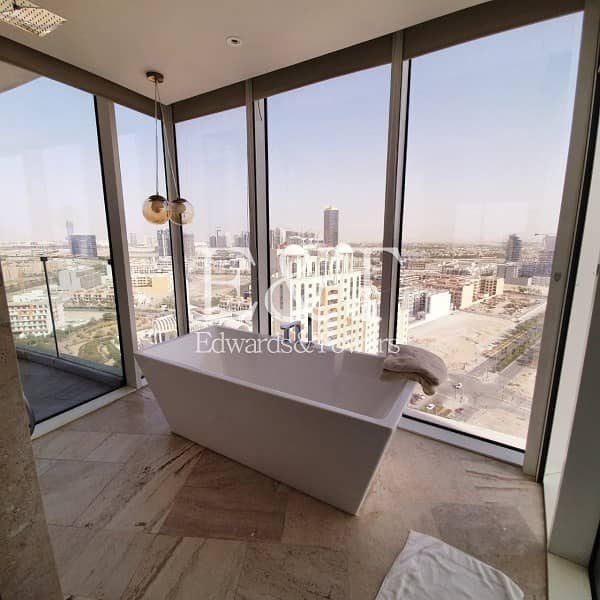 18 Vacant | High End  | Private Pool On The Balcony