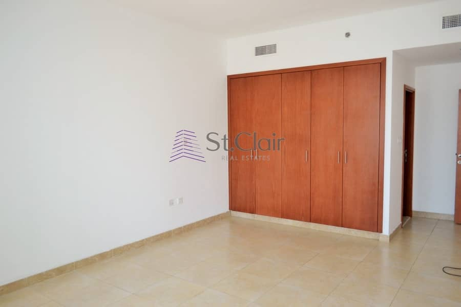 2 near tram|easy access to SZR| rented till august