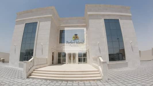 فیلا 10 غرف نوم للايجار في مدينة شخبوط (مدينة خليفة ب)، أبوظبي - Brand New Stand Alone VIP 10 Master BR   Huge Yard   Fully stone