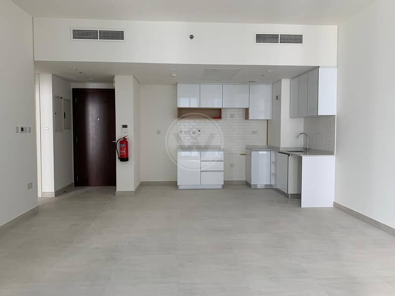 High floor    Brand new  development   Be the first occupant