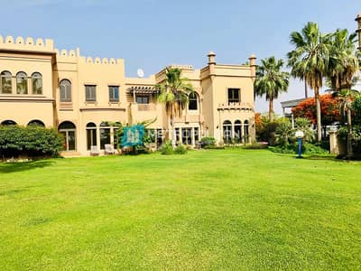 4 Bedroom Villa for Rent in Palm Jumeirah, Dubai - Vacant End of June   4 Bed + Maid  Community View