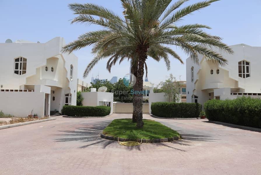 17 5 Bed compound villas for rent