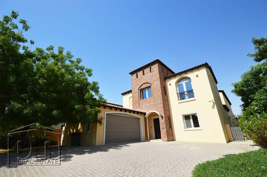 2 Exceptionally Large | Open Plan | Private Pool