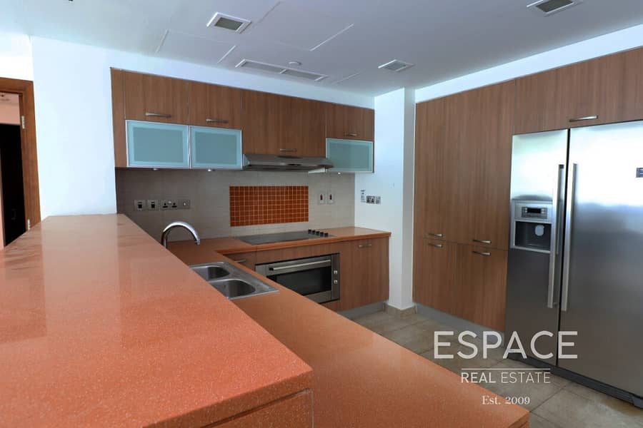 2 View Today - Large Terrace - Biggest 2 beds - Community Pool