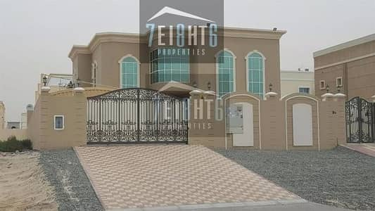 5 Bedroom Villa for Rent in Al Quoz, Dubai - Exceptional quality villa: 5 b/r beautifully presented indep villa, maids room and landscaped garden