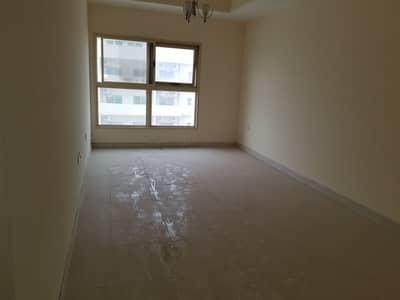 شقة في برج الزنبق مدينة الإمارات 1 غرف 165000 درهم - 4612082