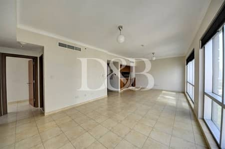 2 Bedroom Flat for Rent in The Views, Dubai - Partial Golf Course/Lake Canal View   Chiller Free