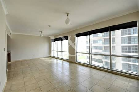 2 Bedroom Flat for Rent in The Views, Dubai - Partial Golf Course/Lake Canal View | Chiller Free