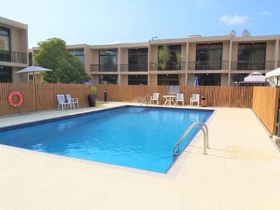 فیلا 3 غرف نوم للايجار في البدع، دبي - Family gated compound offers cozy villa by the pool