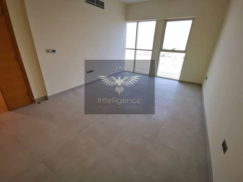 Great Deal! New Apartment with Maid`s Room!