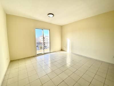 استوديو  للبيع في المدينة العالمية، دبي - شقة في الحي اليوناني المدينة العالمية 215000 درهم - 4613097