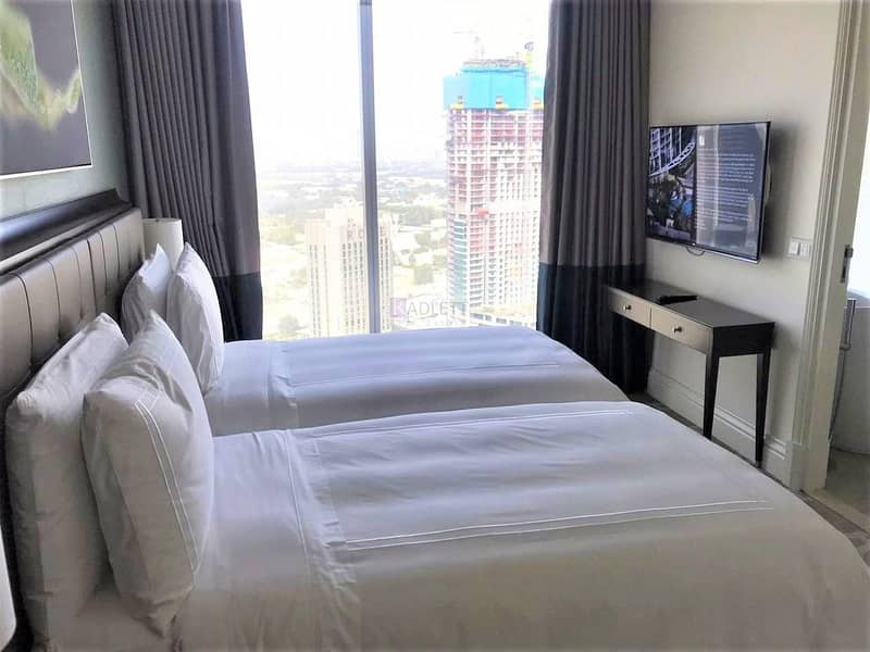 Mid Floor  Luxuriously Furnished  Downtown View