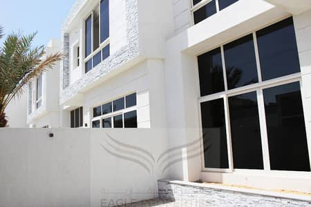 4 Bedroom Villa for Rent in Umm Suqeim, Dubai - FABULOUS 4BR WITH PRIVATE GARDEN FOR RENT