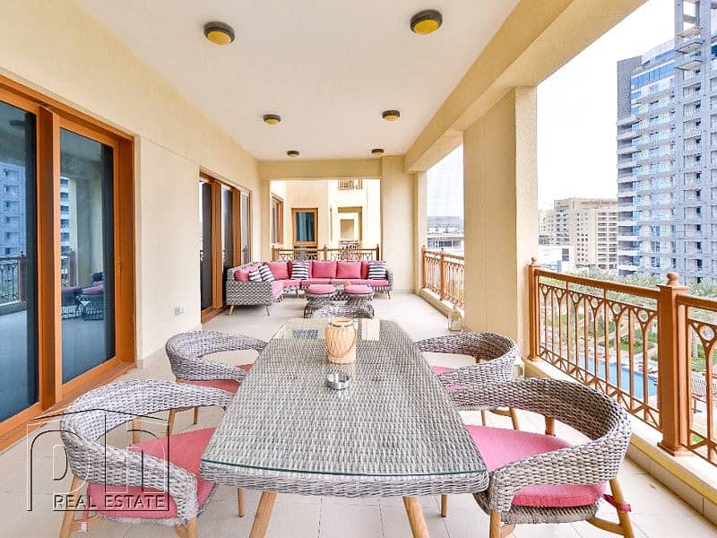 Stunning Views / Fully Furnished