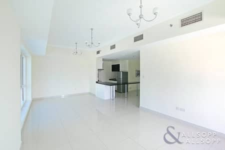 1 Bedroom Apartment for Rent in Business Bay, Dubai - One Bed | Full Canal View | Unfurnished