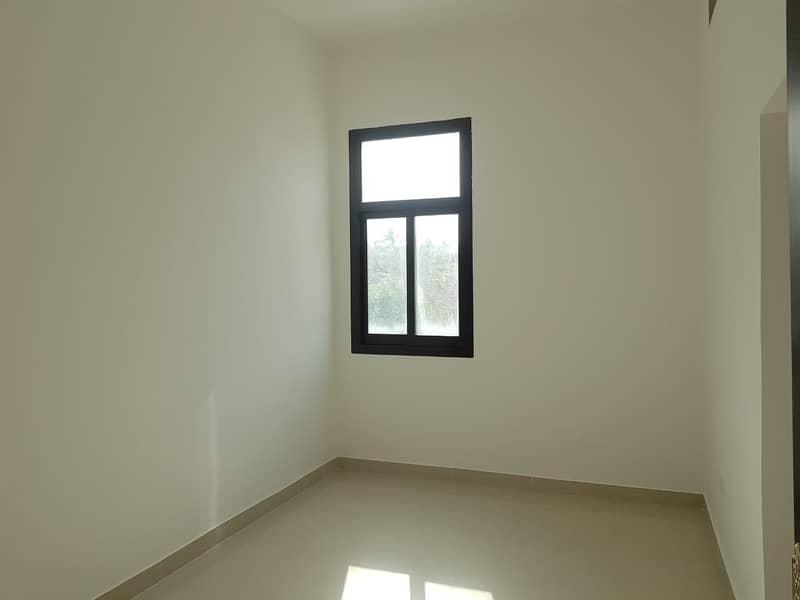 شقة في شارع المطار 1 غرف 45000 درهم - 4413494