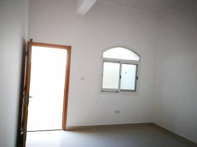استوديو  للايجار في المشرف، أبوظبي - شقة في شارع الظفرة المشرف 37000 درهم - 4412181