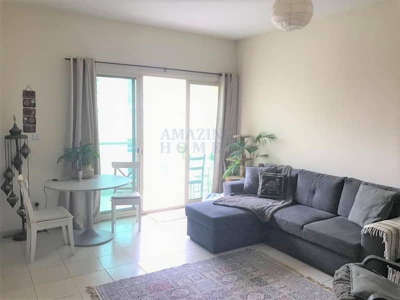 2 Spacious 1-BR Flat in The Greens