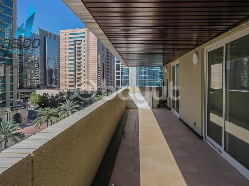 2 Very Spacious 3BHK With  Huge Balcony available near Deira Clock Tower
