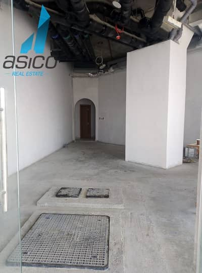 محل تجاري  للايجار في بر دبي، دبي - Brand New Shell and Core Retail Shop for rent in Al Jaddaf