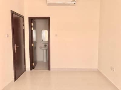 فیلا في هور العنز ديرة 7 غرف 140000 درهم - 4614852