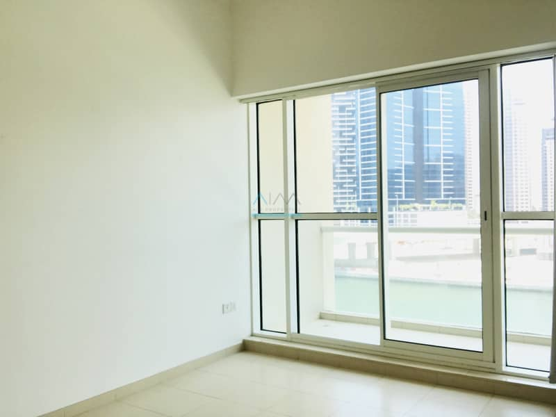 2 STUNNING & PANORAMIC LAKE VIEWS - 1 BED IN MAYFAIR RESIDENCY - WITH APPLIANCES