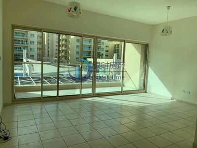 2 Bedroom Flat for Rent in The Greens, Dubai - Swimming pool view /2 bedroom apartment.