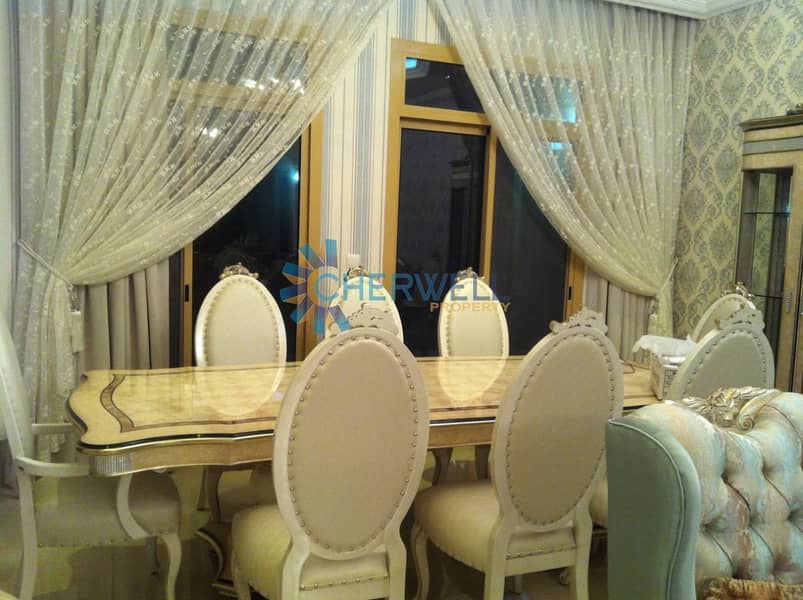 Luxurious Decorated And Well Maintained Town House