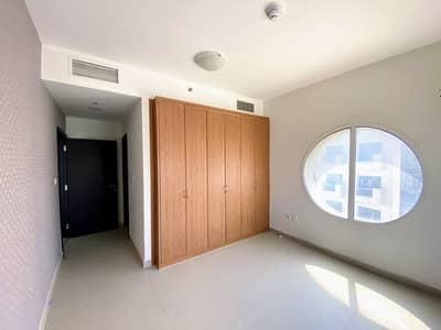 Spacious Vacant One Bedroom Apt# available for sale