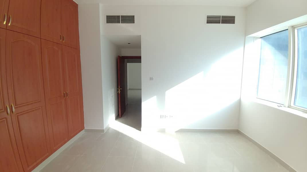 1 MONTH FREE WITH WARDROBES 1 BEDROOM AND 2 BATHROOM AVAILABLE ONLY ON 28 K