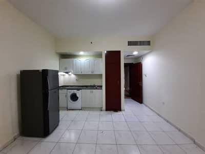 استوديو  للايجار في شارع حمدان، أبوظبي - شقة في شارع حمدان 33000 درهم - 4613800