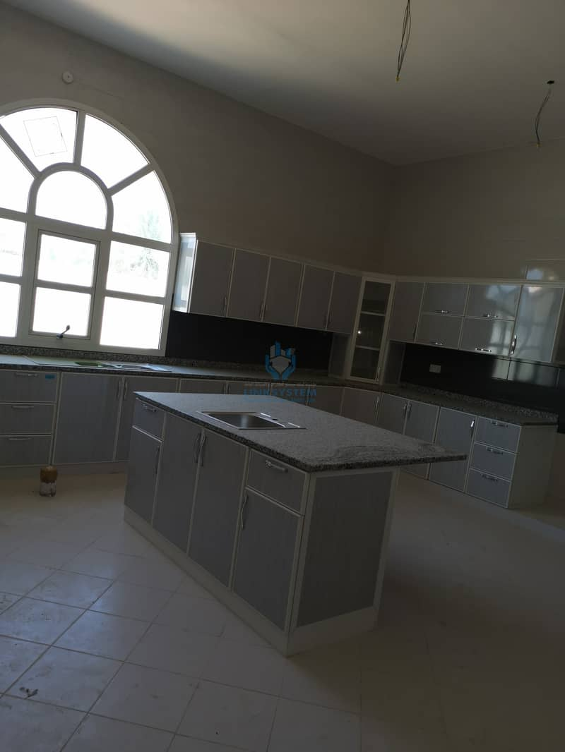 7 Villa for sale in zakher