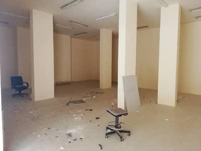 محل تجاري  للايجار في شارع الوحدة، الشارقة - محل تجاري في شارع الوحدة 50000 درهم - 4616131