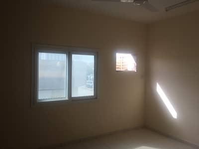شقة في المنطقة الصناعية 1 المنطقة الصناعية 1 غرف 25000 درهم - 4616231