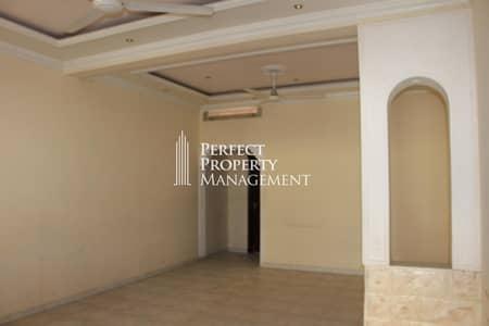 فیلا 2 غرفة نوم للايجار في القرم، رأس الخيمة - Very good location : 2 bedroom Arabic house for rent near Chocolala in Khuzam road