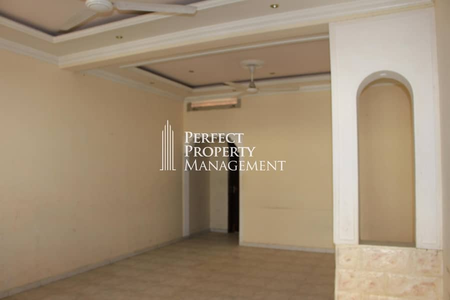 Very good location : 2 bedroom Arabic house for rent near Chocolala in Khuzam road