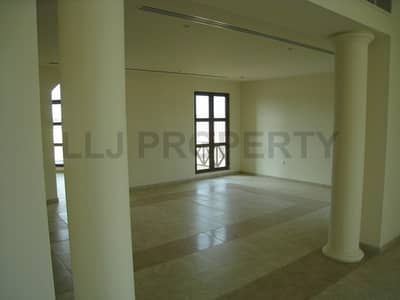 3 Bedroom Villa for Rent in Sas Al Nakhl Village, Abu Dhabi - Spacious & Secluded Family Home with Facilities : Great Value!