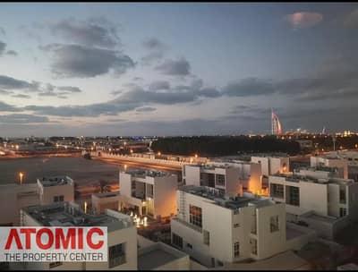 شقة 2 غرفة نوم للايجار في الصفوح، دبي - Amazing luxury upgraded 2BHK with palm view