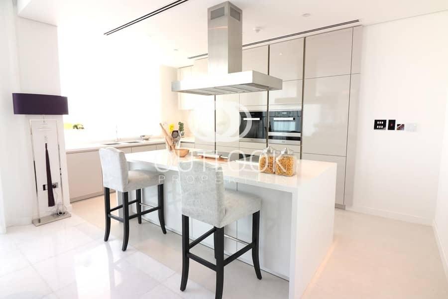 10 Luxurious 4BR Duplex | Massive Space | Pool View