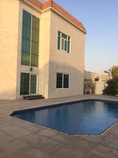 5 Bedroom Villa for Rent in Umm Al Sheif, Dubai - Impressive Independent 5 Bedroom villa with private pool and garden.