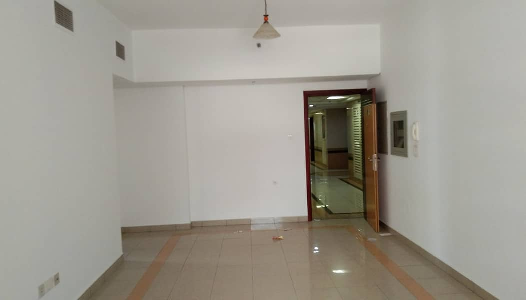 BEHIND TO ZULEKHA HOSPITAL BACK SIDE 2BHK 45K GYM POOL 25 DAYS FREE 4 CHEQS 1 PARKING WARDROBES AVAILABLE