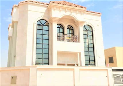 5 Bedroom Villa for Sale in Al Yasmeen, Ajman - With all the banking facilities, a villa of the best modern finishes, new, first inhabitant, in a very good location, near Sheikh Mohammed bin Zayed Street, without commission from the buyer, and the price is negotiable.