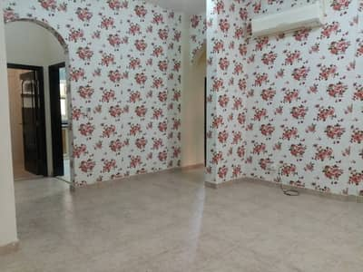 Excellent 2 BHK Apt w/ 3 payment,separate kitchen