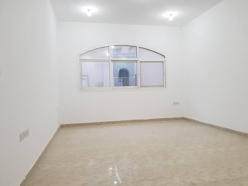 شقة في بني ياس 3 غرف 70000 درهم - 4617865