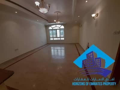 فیلا 5 غرف نوم للايجار في الكرامة، أبوظبي - عرض ممتاز لفيلامدخل خاص في اجمل المناطق الكرامه