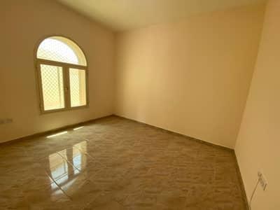 فلیٹ 2 غرفة نوم للايجار في مدينة محمد بن زايد، أبوظبي - شقة كبيرة ونظيفة جدا للإيجار بسعر ممتاز جدا
