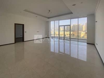 شقة 3 غرف نوم للايجار في نخلة جميرا، دبي - Large 3 Bedroom + Study | Full Sea Views