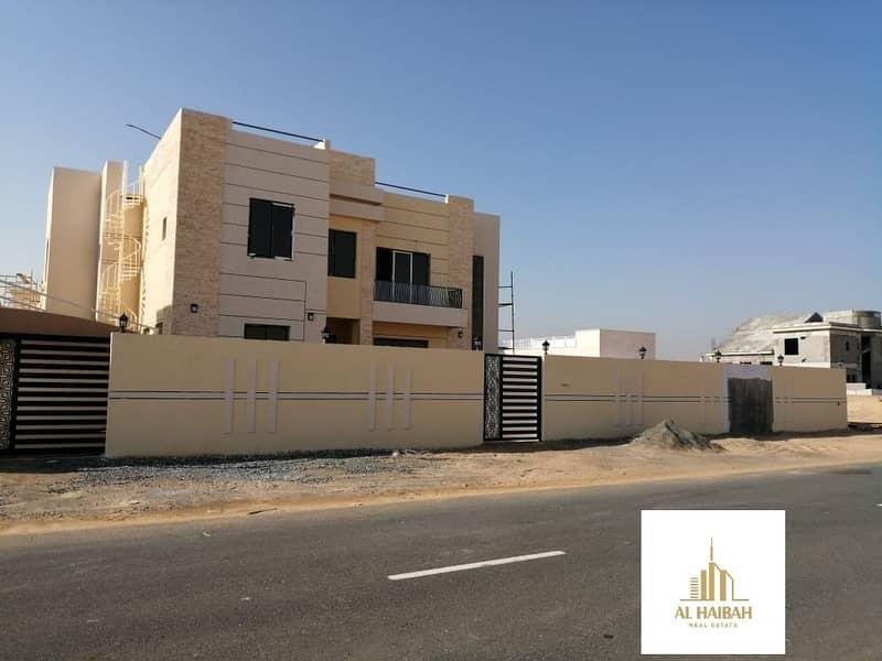 For sale Villa in Al hoshi in Sharjah good location