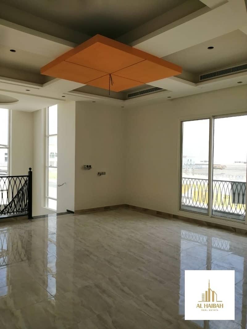 17 For sale Villa in Al hoshi in Sharjah good location